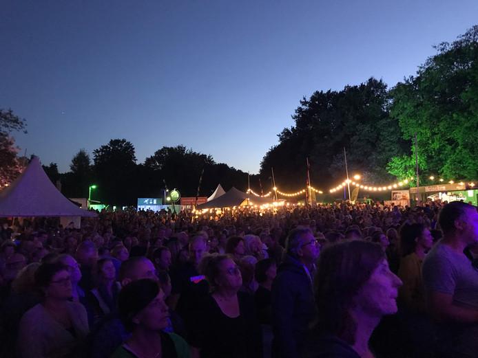 Steeds meer vertier op Fort Isabella in Vught. Het Hoge Bomen Festival trok afgelopen weekend zo'n 2,5 duizend bezoekers.