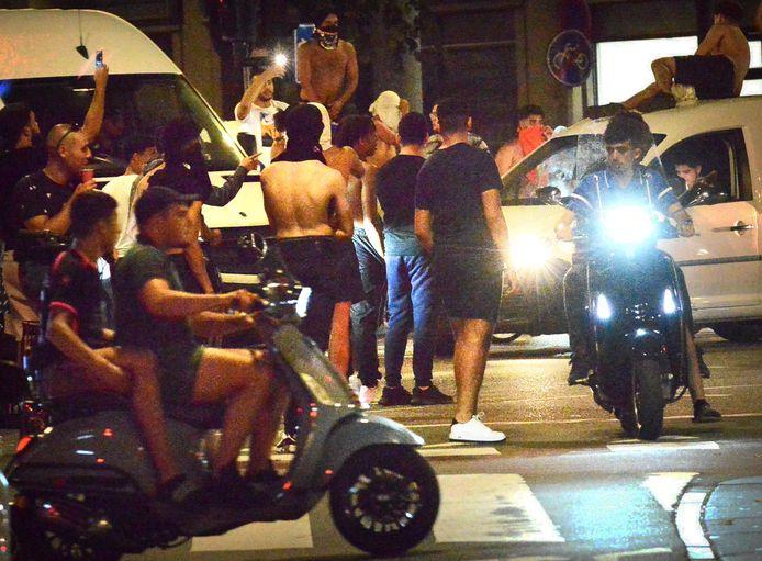Werden er eerder deze week steeds tientallen rellende jongeren in de Schilderswijk opgepakt, zaterdagavond bleef het er rustig. De politie heeft slecht drie jongeren opgepakt.