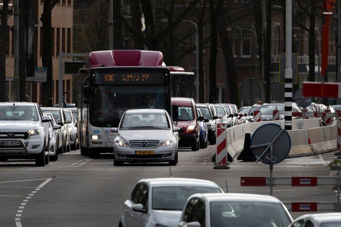 Drukte in Nijmegen wegens de onderhoudswerkzaamheden aan de Waalbrug.