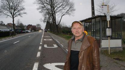 """André klaagt erbarmelijke staat van de bussen aan: """"Ik ga minister Weyts uitnodigen om eens met mij de bus te nemen"""""""