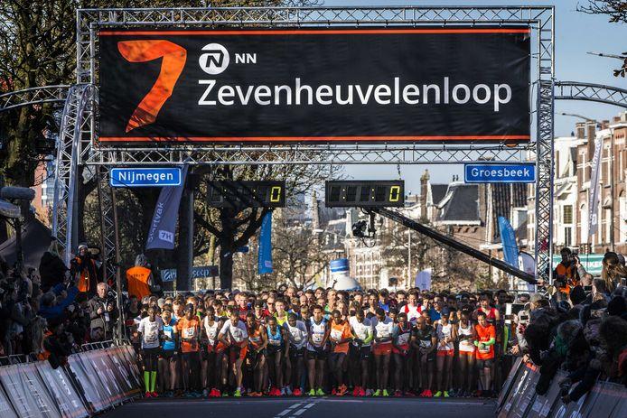 De start van de 35ste editie van de Zevenheuvelenloop in 2018.