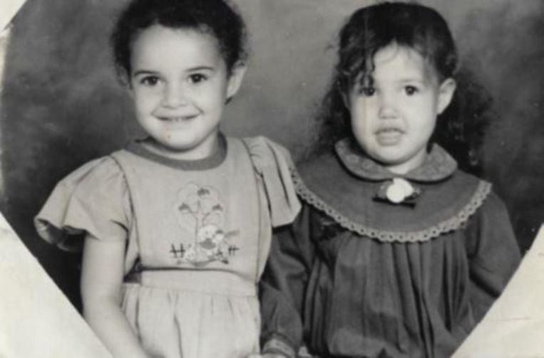 Safia en haar zusje Rahannah. Beeld rv