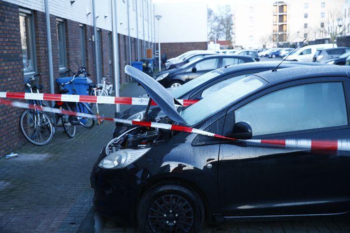 Weer was er een autobrand in Zwolle, dit maal aan de von Weberhof.