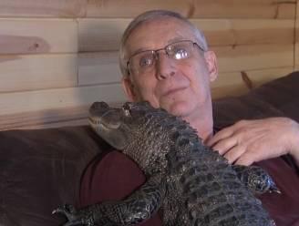 VIDEO. Een alligator tegen een depressie.
