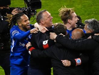"""""""Van den Brom mag zich op de borst kloppen. De zieltogende ploeg van het seizoensbegin speelt play-off 1 en Europees voetbal"""""""
