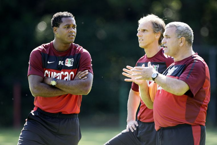 Na zijn voetbalcarrière werkt Kluivert bij verschillende clubs in de technische staf, om de kneepjes van trainer zijn onder de knie te krijgen. Onder andere bij FC Twente en NEC. Beeld ANP
