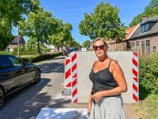 Levensgevaarlijke betonblokken in Dinteloord: 'Binnen een week rijdt iemand zich te pletter'
