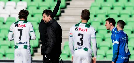 Pelle Clement na dubieus rood: 'Stel oud-voetballers aan als VAR'