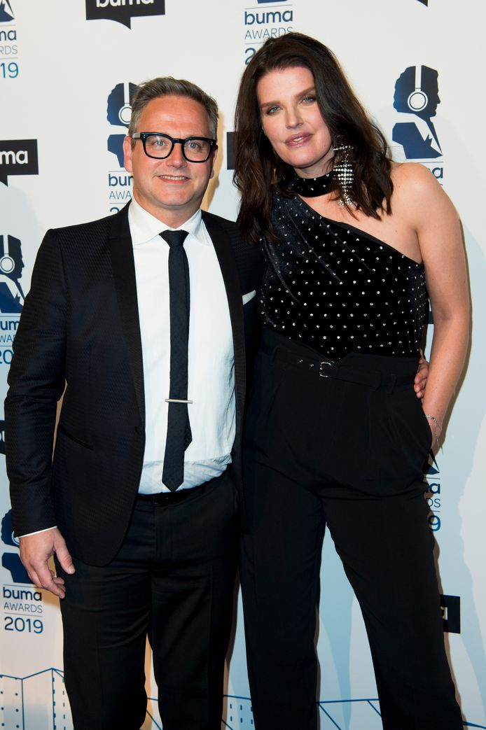 Guus Meeuwis en zijn partner Manon Meijers.