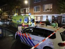 Vrouw (39) gewond geraakt bij steekincident, politie zoekt verdachte
