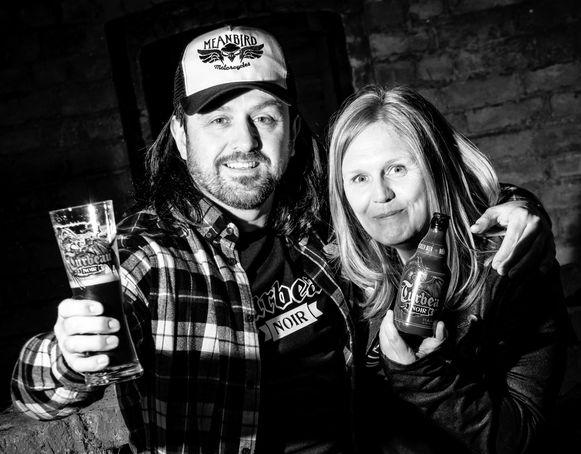 Franky De Smet - Van Damme en Kristel Logie organiseren een bierdegustatie in Sint-Anna