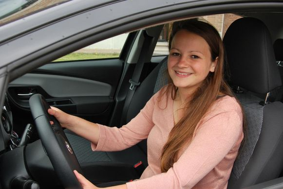 Mieke Meus legde succesvol haar rijexamen af na vier dagen feest.
