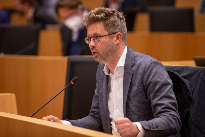 Kris Verduyckt (Vooruit) was de initiatiefnemer van dit wetsvoorstel.