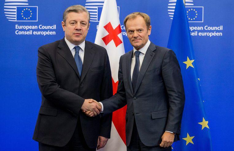 Premier Giorgi Kvirikasjvili tijdens een ontmoeting met EU-president Donald Tusk in december 2016 Beeld EPA