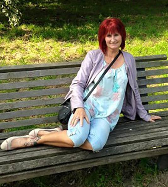 Anita van Dijk werd tijdens het lopen van haar krantenwijk neergestoken.