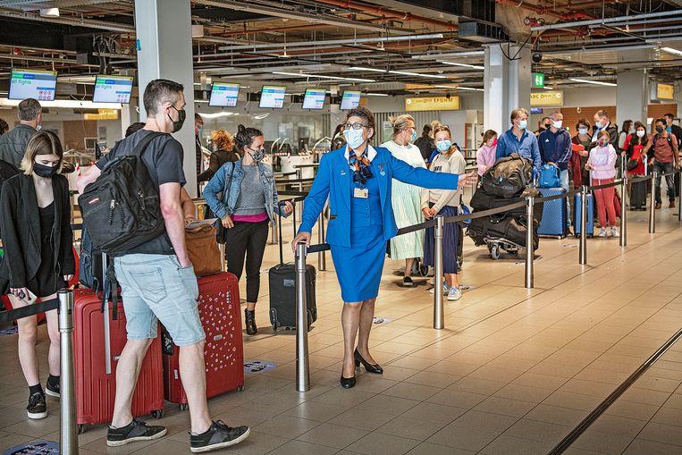 KLM maakte vrijdag bekend dat het een meerderheidsbelang heeft genomen in Airtrade, een bedrijf in Haarlem dat zich specialiseert in de inkoop en verwerking van vliegtickets voor de reisbranche. Beeld Guus Dubbelman / de Volkskrant