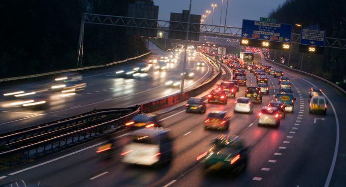 Iets minder verkeersdrukte leidt tot veel minder files, blijkt uit onderzoek