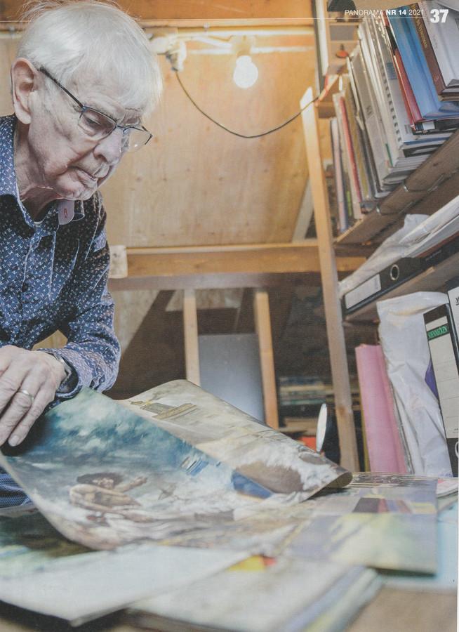 Carel Verbeek met zijn verzameling in Panorama