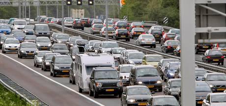 Uur in de file door ongeluk op A59 bij Nuland