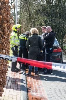 Zoon eigenaar overvallen woning in De Lutte werd bedreigd met mes