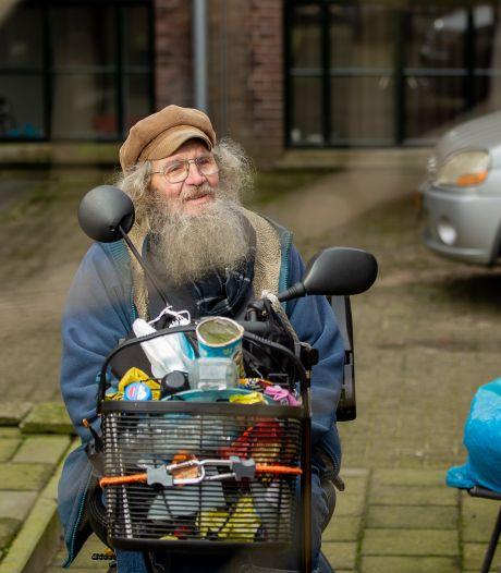 Zwerver Henk heeft eindelijk een huis, maar leeft nu in reservetijd: 'De dood mag gezellig bij mij op bezoek komen'