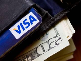 Vrouw krijgt portemonnee terug nadat ze hem 46 jaar geleden verloor