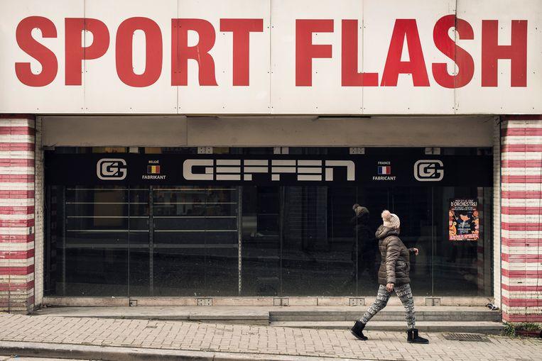 In Sint-Joost-ten-Node staan heel wat winkels leeg. En de burgemeester, die doet wat hij wil.  Beeld Tim Coppens