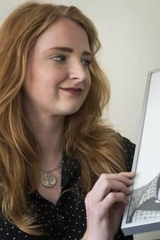 De tekeningen van deze vrouw uit Hengelo hangen thuis bij wereldsterren