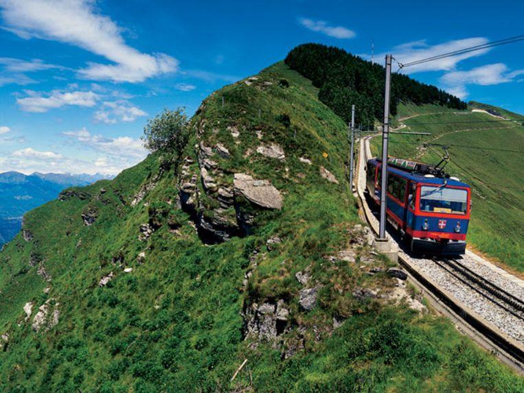 Met een kabeltreintje naar de top van de Monte Generoso. Beeld UNKNOWN