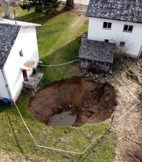 Na dodelijke aardbeving wordt dorp in Kroatië geteisterd door tientallen zinkgaten