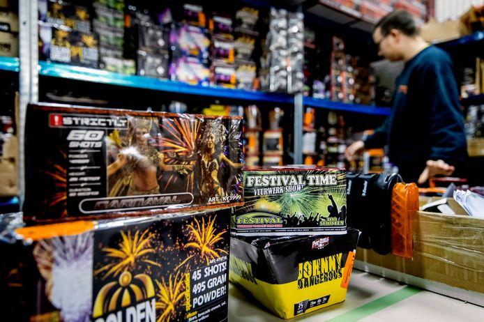 Winkeliers stappen naar de rechter om toch vuurwerk te kunnen verkopen dit jaar.