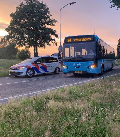 Zestal in bus is 'intimiderend richting chauffeur' en druipt af na entree politiehond