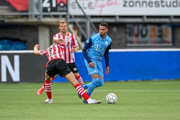 Adam Maher kreeg tegen Sparta zijn vijfde gele kaart en mist het duel met PSV.