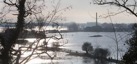 Aantal wegen blijft dicht vanwege sneeuw en hoog water