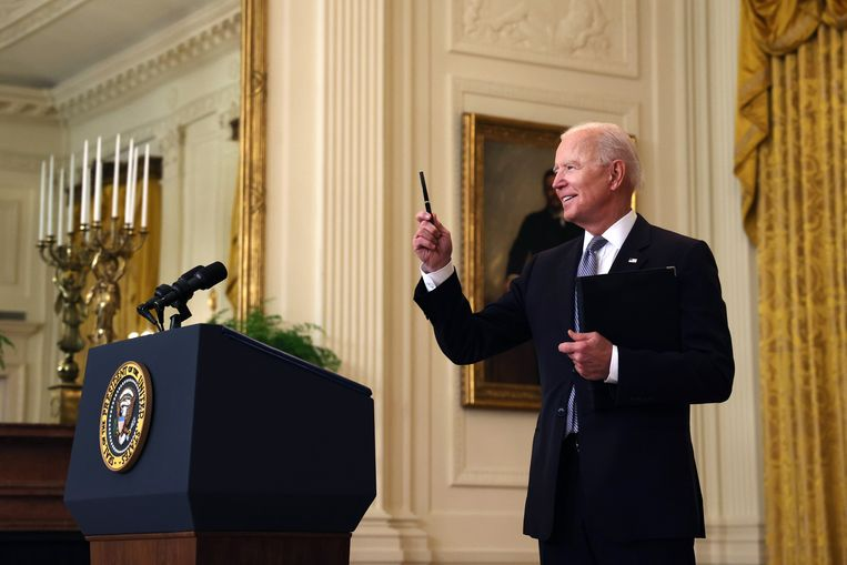 President Joe Biden beantwoordde maandag tijdens een update over de coronasituatie in de VS ook een vraag over Israël en Hamas.  Beeld Getty Images