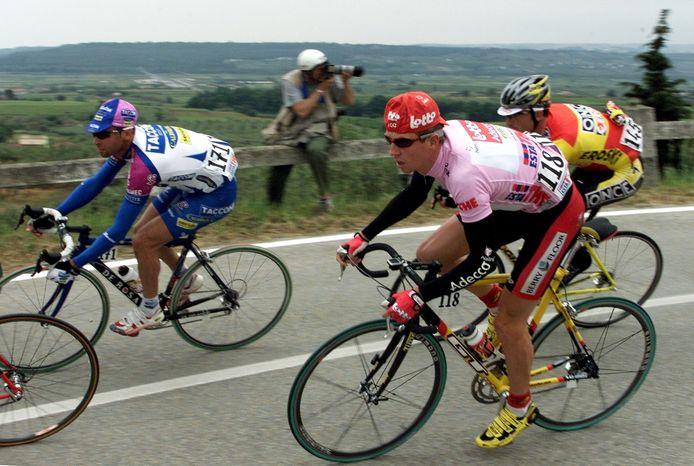 Verbrugghe in de roze trui in de Giro van 2001.