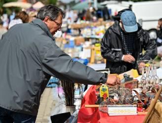 """Eindelijk weer rommelmarkt aan zaal Koekoek: """"De vraag was groot"""""""