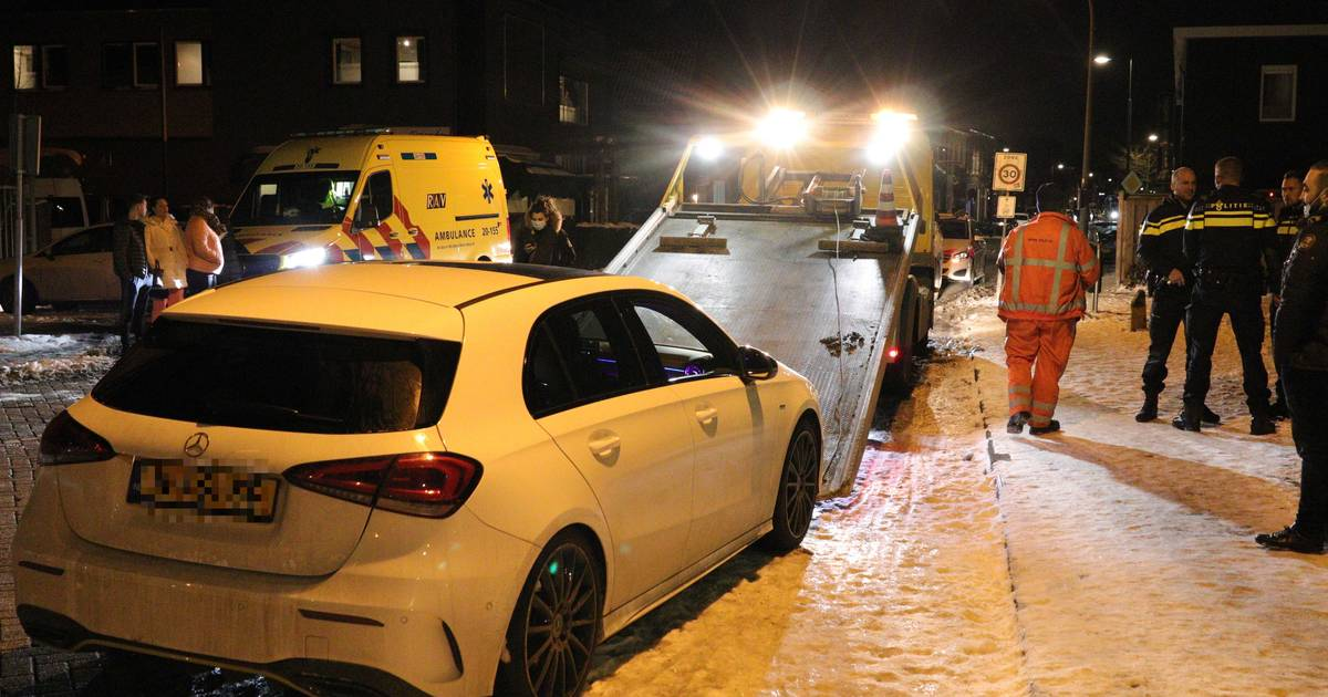 Aanrijding met twee autos in Waalwijk.