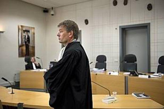 Advocaat Tjalling van der Goot in de rechtszaal voor de zaak tegen Frank R. uit Cuijk.