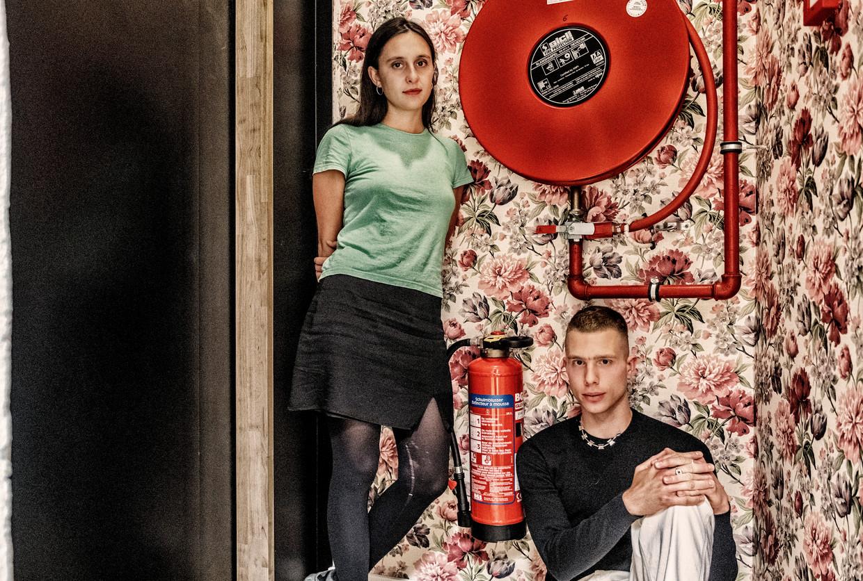 Anna Franziska Jäger en Nathan Ooms. 'Theater hoeft niet altijd leuk en gezellig te zijn.' Beeld Tim Dirven