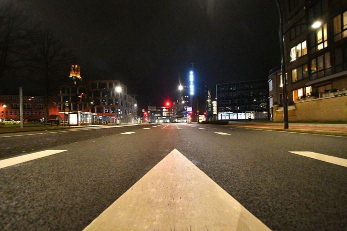 Avondklok zorgt voor rust op het drukste kruispunt van Hengelo: Thiemsbrug.