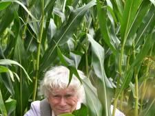 Schrijver Henk Boom uit Diepenheim presenteert zijn boek Wij zijn maïs