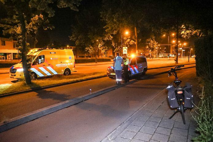 Op de Deventerstraat in Apeldoorn gebeurden twee ongelukken op nagenoeg hetzelfde tijdstip.