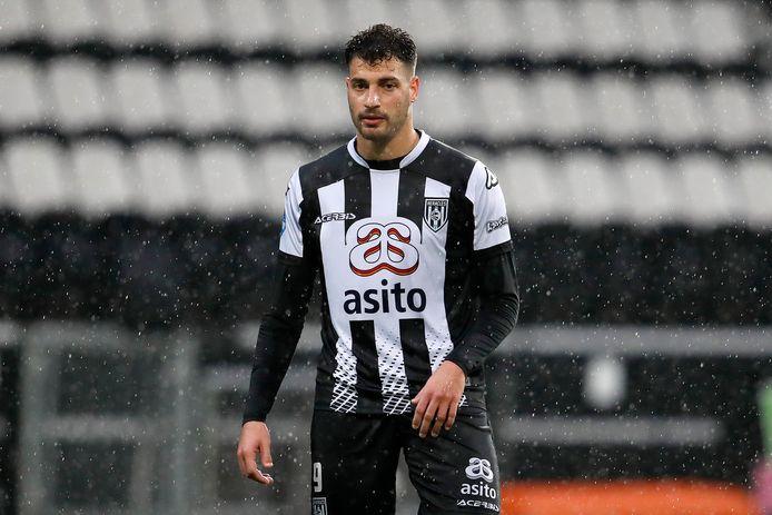 Sinan Bakis maakte de eerste goal van Heracles tegen PEC Zwolle.