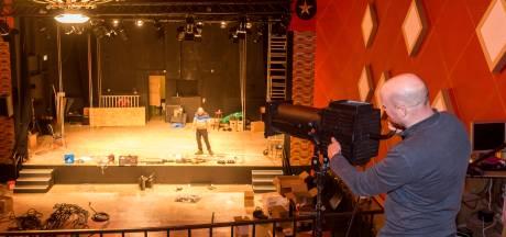 Cantine Theater Budel-Dorplein met retro verlichting in startblokken voor nieuw seizoen
