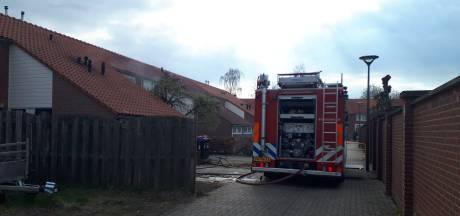 Agenten redden meisje (1) uit huis vol rook nadat ze moeder buitensloot terwijl pan op het vuur stond
