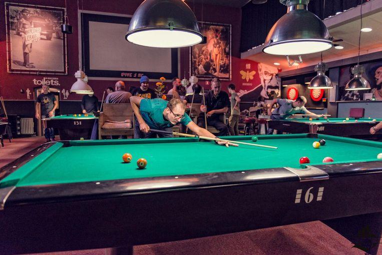 Laat je pool-skills zien tijdens het 9ball toernooi in Plan B Overtoom Beeld Jean Paul Kievit