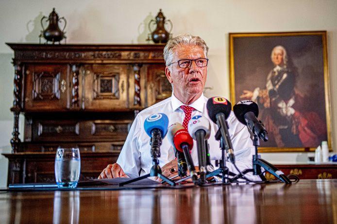 Burgemeester Frank Petter van Bergen op Zoom heeft corona. Hij liep de besmetting op tijdens opname in het Bravis ziekenhuis in Roosendaal.