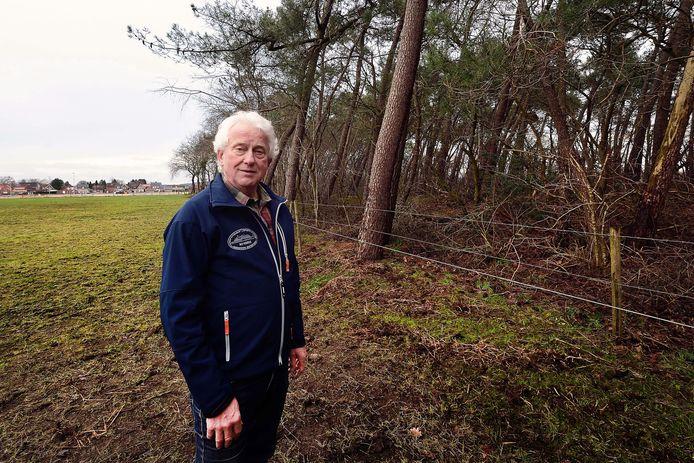 Ad van Uffelen schreef een boek over de vliegtuigcrash nabij De Posthoorn in Rucphen.