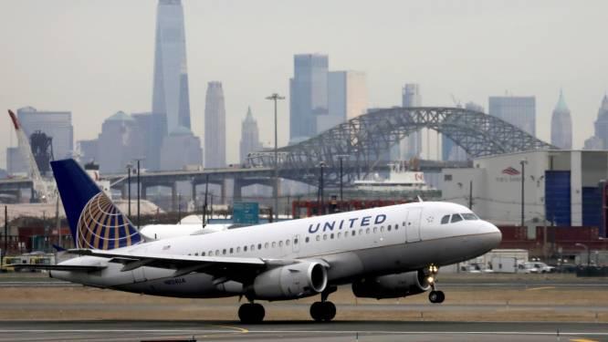 Bijna 600 werknemers van United Airlines ontslagen omdat ze coronavaccin weigerden